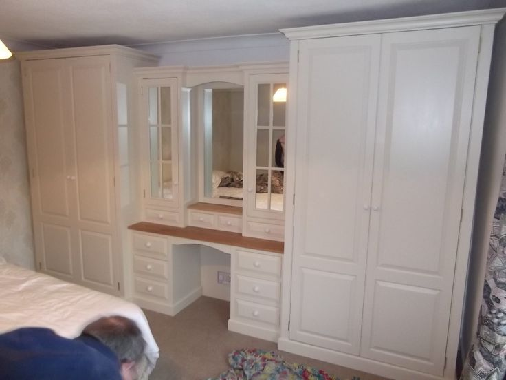 Wardrobe with dressing table bedroom ideas pinterest for Bedroom ideas with built in wardrobes