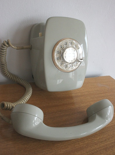 17 immagini su telefoni vintage su pinterest samsung nostalgia e moma - Telefono registro bienes muebles madrid ...