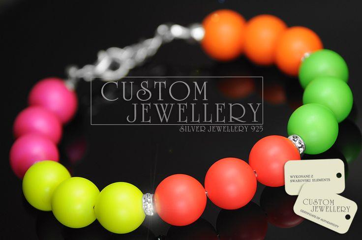 Tego lata będą królować kolory neonowe mamy dla was propozycję #bransoletki na #perłach #Swarovski elements.  http://www.customjewellery.pl/customjewellery-bransoletka-pearl-made-with-swarovski-elements.html   Zapraszamy Customjewellery.pl