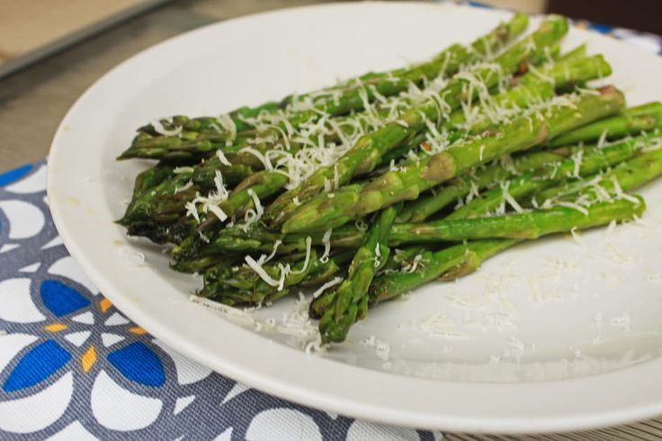 Grilled Asparagus with Garlic and Parmesan Cheese - Grill Grrrl Blog: Grill Girl, Big Green Egg Recipes, Healthy Grilling Recipes, Tailgatin...