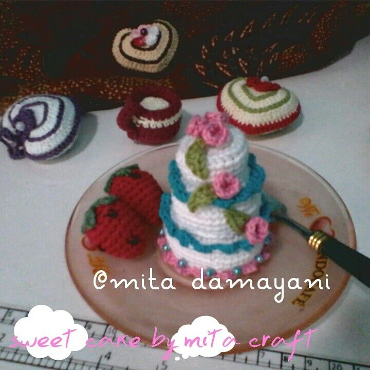 Sweet cake amigurumi for my little sister Happy birthday wish u all the best