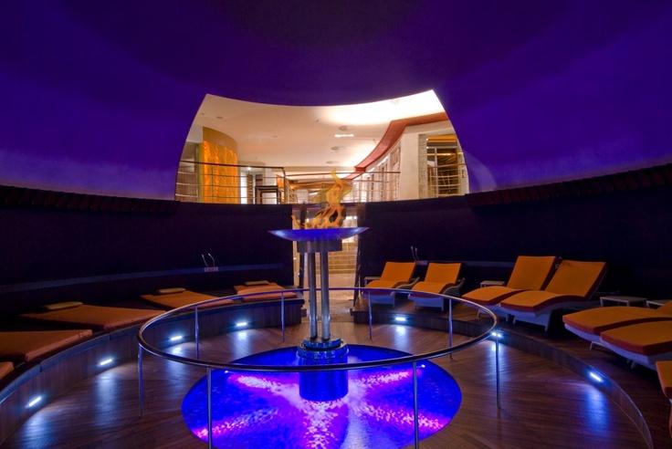 Atrium Spa, Wellnesstempel, Quell des Lebens, Ruheraum, blaues Licht, Spahotel