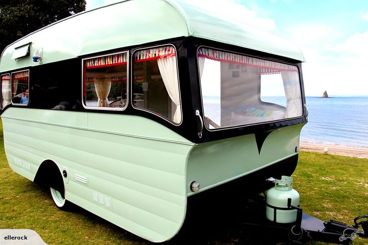 Vintage Caravan..serious swoon. Those folks from Down Under sure knew how to rock a vintage trailer!