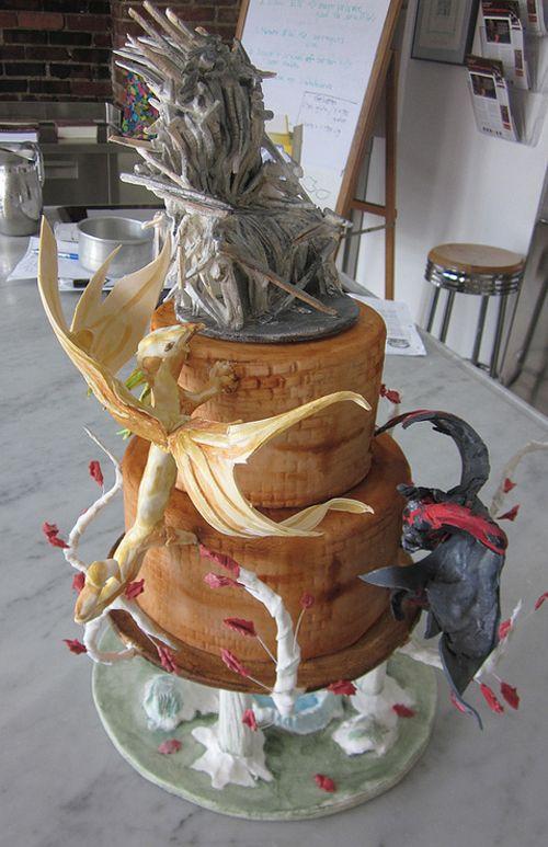Game of thrones wedding cake dragon cakes pinterest for Amazing wedding cake decoration game
