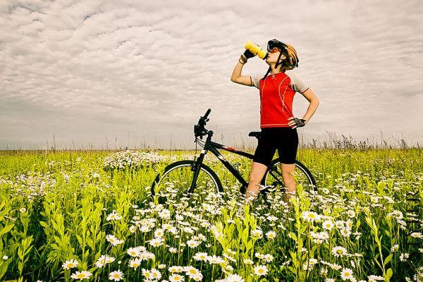 Napój izotoniczny a picie wody - napoje izotoniczne przepis na izotonik #izotonik #przepis #sport #dieta