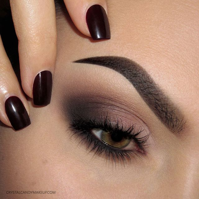 Plummy brown smokey eye for green eyes - makeup look with Anastasia Beverly Hills matte eyeshadows (Details : http://www.crystalcandymakeup.com/2015/12/makeup-look-dusty-rose.html)