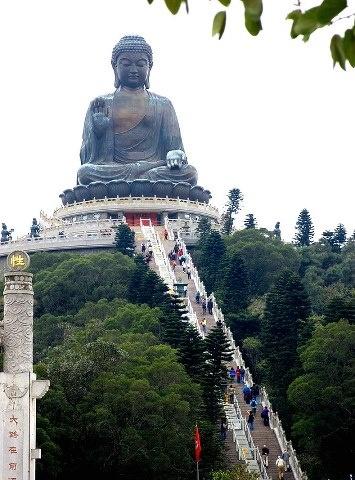 Tian Tan Buddha and Po Lin Monastery, China | Papo Viagem