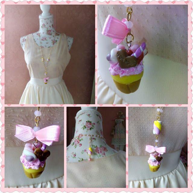 LA VIE EN ROSE: Collana lunga stile rosario con cupcake e marshmal...