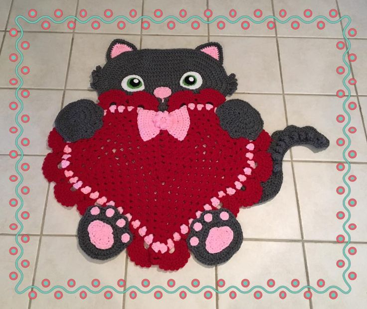 Sassy the Kitty Heart Rug by Kitty Cole Miller, please contact Kitty for more information.  Crochet Pattern from --> https://irarott.com/Kitty_Cat_Heart_Rug_Crochet_Pattern.html