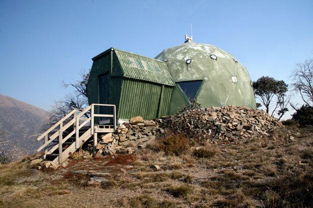 •♥•✿ڿڰۣ(̆̃̃•Aussiegirl. Hundreds of huts scattered across the Australian Alps are living history and essential shelter for alpine adventurers.