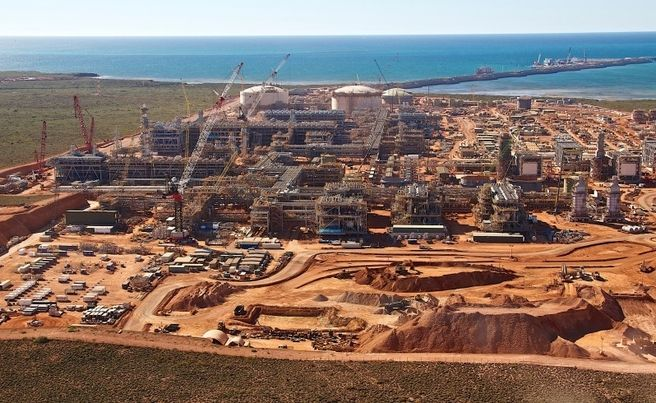 WA's environmental regulator has thrown its support behind plans by US oil and gas giant Chevron for a multi-billion dollar expansion of its massive Gorgon LNG project. Part of Chevron s $US54b Gorgon LNG project on Barrow Island.