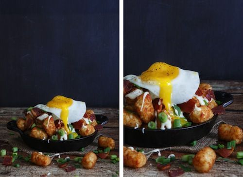 """Bacon, Egg, and Cheese Breakfast """"Totchos"""" (tater tot nachos)"""