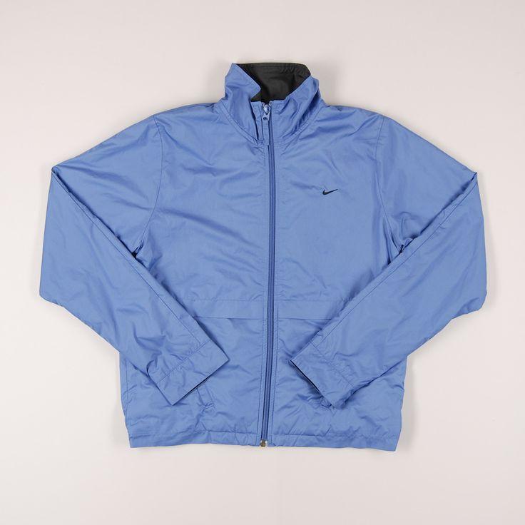 Sudadera tipo chubasquero de cremallera de marca Nike. Talla 13 años. 11€ #vueltaalcole http://www.quiquilo.es/catalogo-ropa-segunda-mano/sudadera-tipo-chubasquero-de-cremallera-de-marca-nike-en-color-azul.html