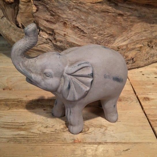 Κεραμικός γκρι ελέφαντας μικρός για να διακοσμήσετε τη τραπεζαρία σας, το τραπέζι σαλονιού,το μπουφέ ή τη βιβλιοθήκη σας. http://nedashop.gr/Spiti-Diakosmhsh/diakosmhtika-antikeimena/keramikos-gkri-mikros-elefantas