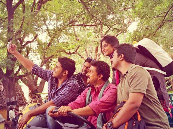 Oru Vadakkan Selfie | Review - MeaVoo - Meavoo
