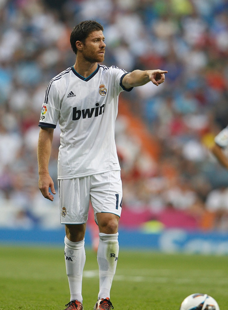 Every defensive midfielder should replicate Xabi Alonso's game.