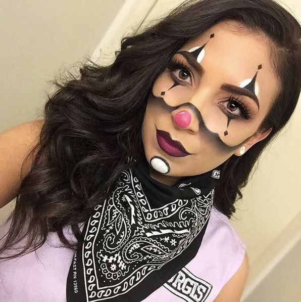 Clowning - The Most Hauntingly Gorgeous Halloween Makeup Looks on Instagram - Photos