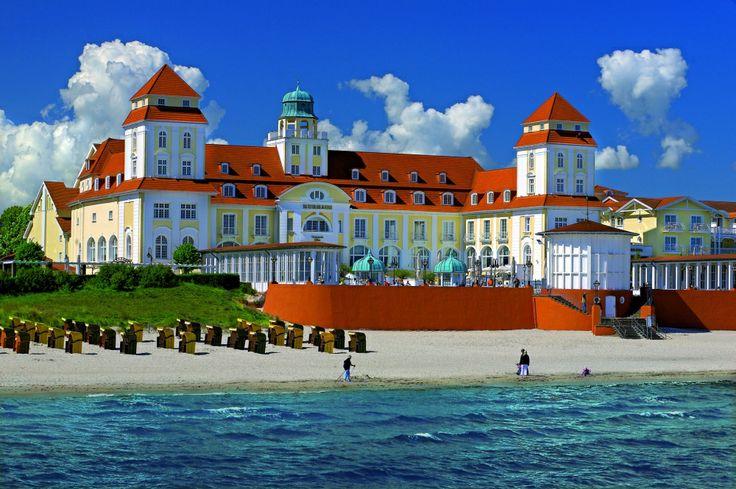 Das Hotel im Sommer - perfekter Badeurlaub und herrliches Bummeln auf der Strandpromenade