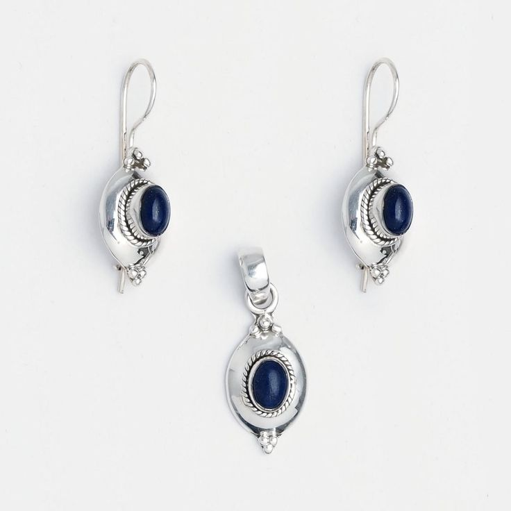 Set cercei și pandantiv Amravati, argint și lapis lazuli, India  #metaphora #jewellery #jewelryset #silver #earrings #lapislazuli #india