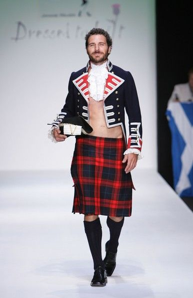 Ed Quinn in An Evening Of Scottish Fashion - Inside