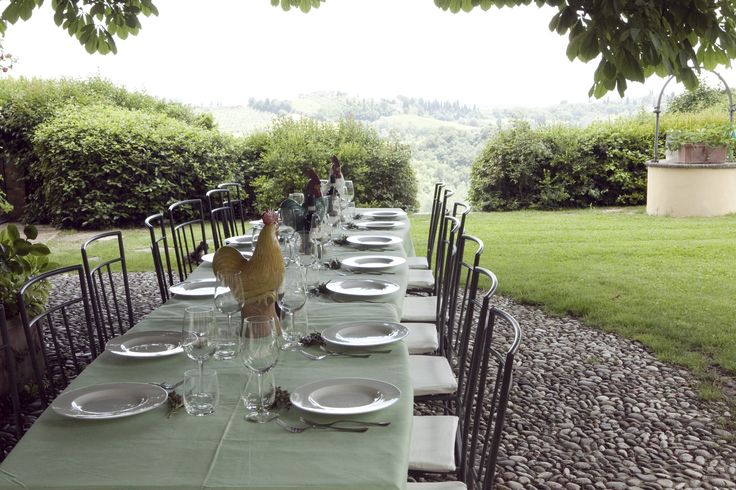 #tuscanycook having dinner or lunch in our panoramic garden #contactus www.tuscanycook.com