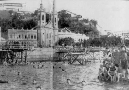 Banho de mar na praia de Santa Luzia. 1917.