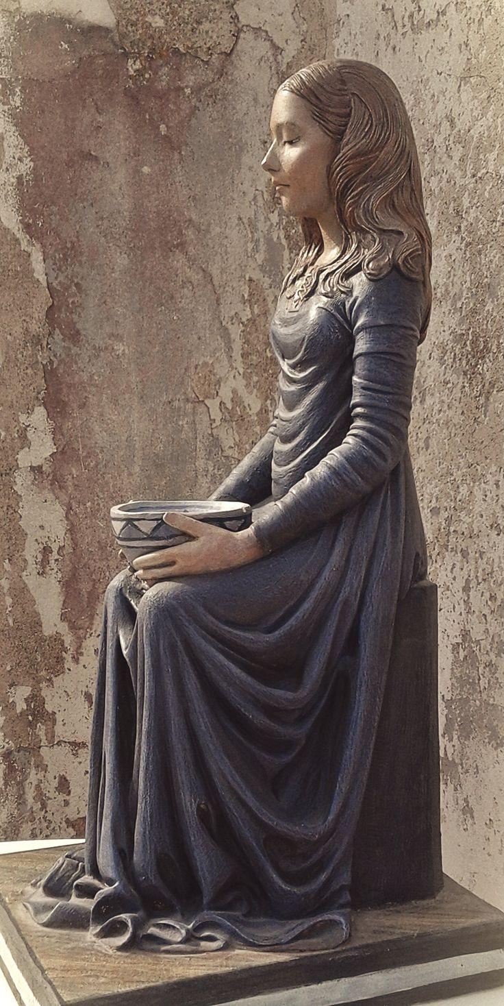 Mujer de Azul. Sculpture in plaster. Tomàs Barceló Tumblr