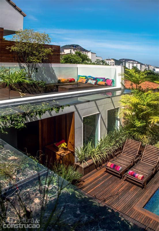 Reforma integra sobrado carioca ao jardim de 48 m² - Casa