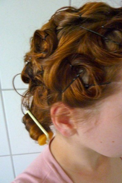Step-By-Step Guide to Pin Curls... Mostly wonder if I can manage that