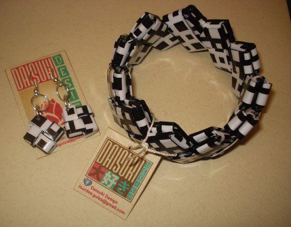 Pulsera de papel laminado y zarcillos. Para adquirir el producto: mailto:info@daisuki-design.com