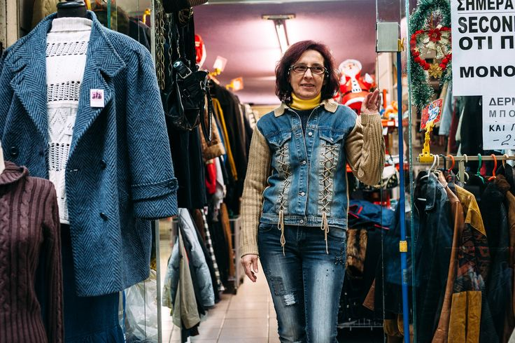 Κάποιοι μου λένε 'Τατιάνα ξύπνα, στο Κολωνάκι σε μαγαζί second hand θα τα πουλούσαν 200 και 300 ευρώ. Δεν με νοιάζει, είπαμε εγώ έτσι κάνω τη δουλειά μου, αυτές είναι οι τιμές μου και δεν θα αλλάξει... Φωτογραφία: Πάρις Ταβιτιάν / LIFO.