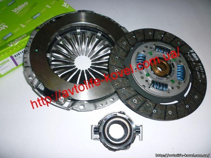 Вид коробки передач: механическая коробка передач. Диаметр 1 (мм): 215 мм. Версия: DBV. Диаметр 2 (мм): 215 мм. Число зубцов: 20.