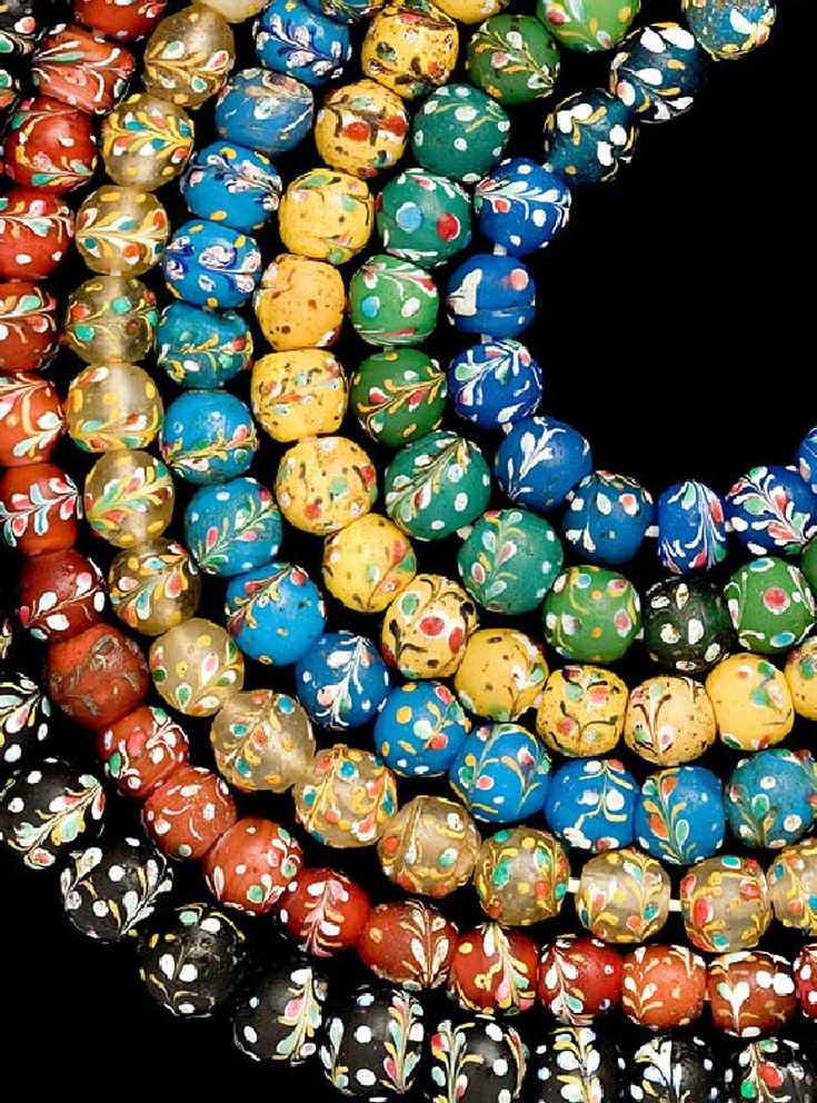 dating glass beads Xrf analysis of glass beads from the mycenaean palace of nestor at pylos,  ca kellerproblems in dating glass industries of the egyptian new kingdom: .