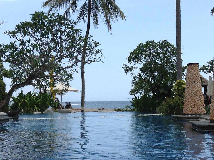 Sheraton Senggigi pool towards the sea
