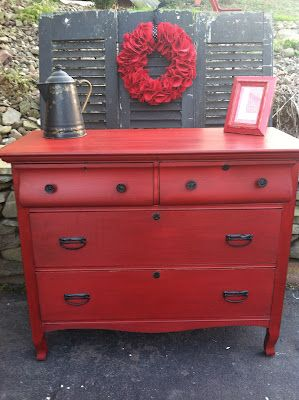 Antique Dresser Makeover: From Drab to Fab –Annie Sloan's Dark Wax over the paint