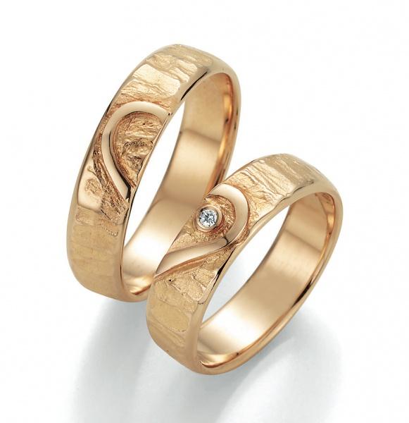 Heartchain #engagement #verlobung #verlobungsring #goldschmuck #beautiful #jewellry