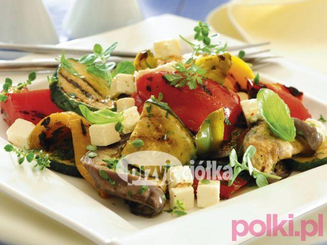 Sałatka z grillowanych warzyw i sera feta - przepis - Przepis