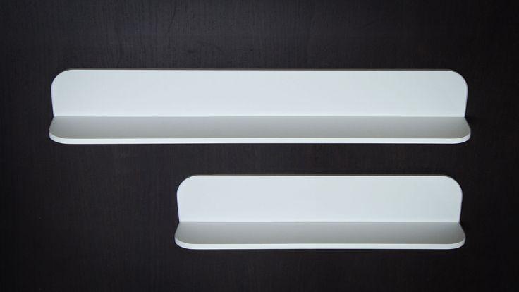 STROZZI di Alexander Design. Mensola realizzata in ADsurface, in due misure: 60 e 90 cm.