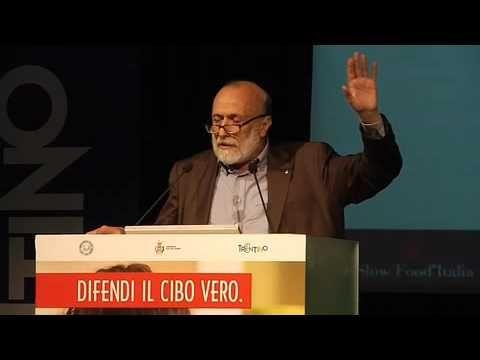 Carlo Petrini Congresso Nazionale 2014 17.30