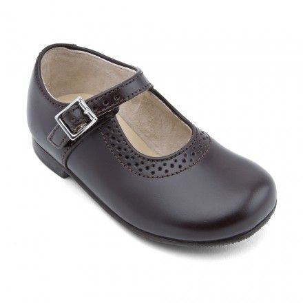 Clare, Brown Leather Girls Buckle Classics - Girls School Shoes - Girls Shoes http://www.startriteshoes.com/girls-shoes/school-shoes/clare-brown-leather