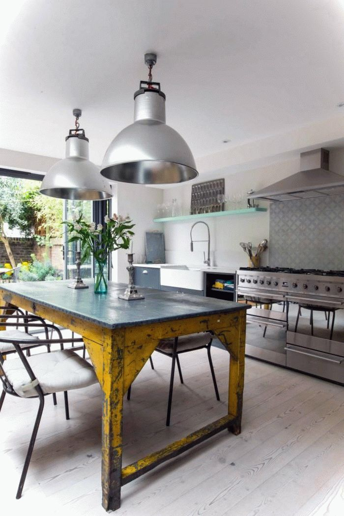 Attraktiv Open Kitchen With Industrial Lights And Table. Find This Pin And More On Haus  Deko IDeen ...