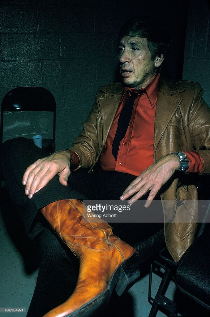 American country musician Buck Owens backstage at the Felt Forum on January 18, 1975 in New York City.