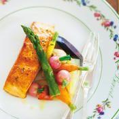 Pavé de saumon, légumes de Joël Thiébault - une recette Poisson - Cuisine