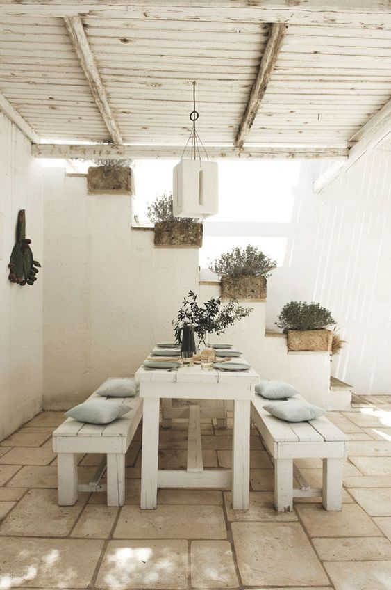 Beautiful outdoor covered terrace in a dreamy home in Puglia. Beautiful outdoor covered terrace in a dreamy home in Puglia. Outdoor Dining, Outdoor Spaces, Outdoor Decor, Outdoor Planters, Outdoor Lounge, Dining Area, Rustic Outdoor, Outdoor Benches, Dining Room