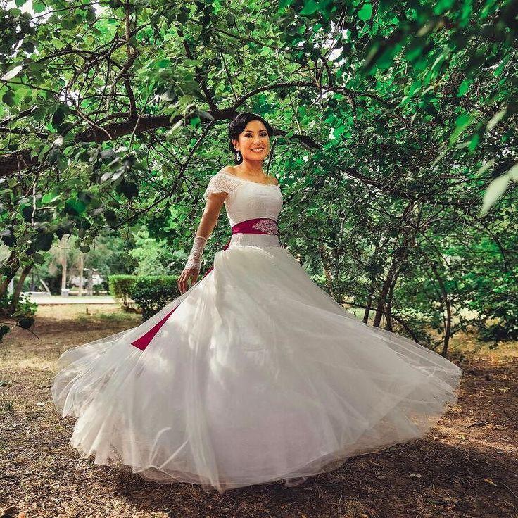 Beautiful Bride  Beautiful Angel Aizhan  Photographer @creativemomentskz  СВАДЕБНЫЕ ПЛАТЬЯ САЛОНА ИМПЕРИЯ  это  Прекрасные платья нежных оттенковизысканные детали  шлейфы от 2 м до 12 м и более. В коллекции и платья -трансформеры/уникальное решение для невест на два дня. Ажурные боди /верх платья/ инкрустированные жемчугом кристаллами и роскошными полудрагоценными камнями. Консервативные женственные и смелые открытые платья; присутствие восточного шарма и откровенной роскоши классики…