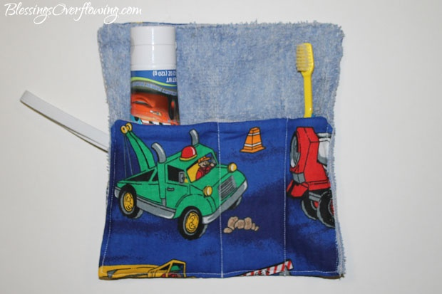 How to Make a Tote Bag From an Old TShirt No Sewing