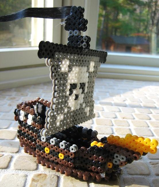 Más tamaños | 3-D Perler Bead Pirate Ship | Flickr: ¡Intercambio de fotos! | Pixel Art con Hama Beads (beta) | REPINNED