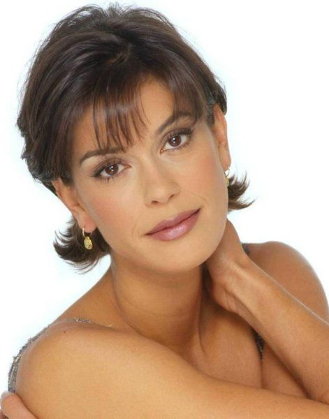 Teri Hatcher Short Flippy Hairstyle