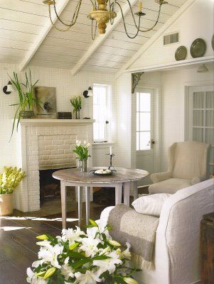 If I ever am lucky enough to have my own cozy beach cottage, this is how I want to decorate it!