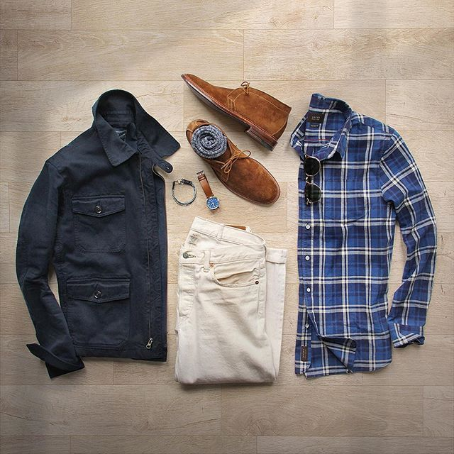 Getting springy with it. Shirt: @jachsny Blue and White Plaid Shoes: @brickmortarseattle Alden Snuff Suede Chukka Socks: @americantrench Random Plate in Cotton Jacket: @grayers Gilbert Short Jacket Denim: RRL @ralphlauren Watch: @tsovet Bracelet: @caputoandco #jachsny #collaboration #flatlay
